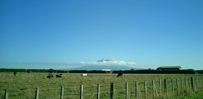 New Zealand view of Mount Taranaki from Surf Highway - Hellway