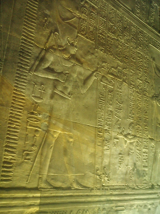 travel-photo-egypt-nile-cruise-photos-by-david-j-rodger edfu temple Egyptian hieroglyphs