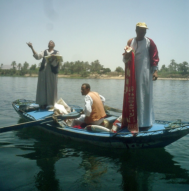 travel-photo-egypt-nile-cruise-photos-by-david-j-rodger river traders