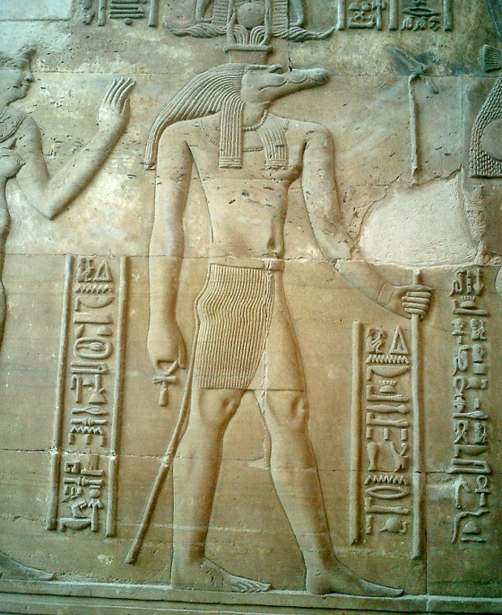travel-photo-egypt-nile-cruise-photos-by-david-j-rodger Temple at Kom Ombo - Sobek, the crocodile headed god