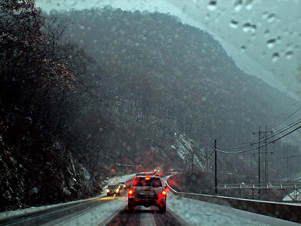 New York - travel photo - on a US highway to Bear Mountain