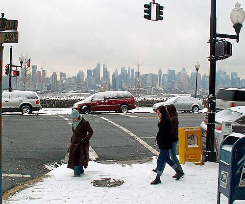 New York - travel photo - Weehawken snow and Manhattan background