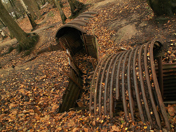 travel-photo-bruges-hill-62-sanctuary-wood-original-trenches-from-world-war-i