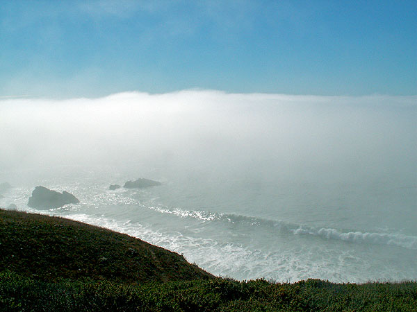 between-jenner-and-bodega-bay-fog-bank-rolling-in