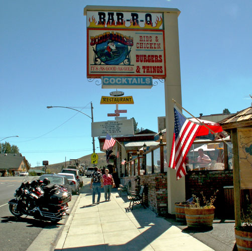 lee-vining-on-highway-395-bar-bq-bodie-mikes-you-have-to-eat-lunch-here1