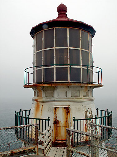 point-reyes-lighthouse-used-in-john-carpenters-movie-the-fog-1980