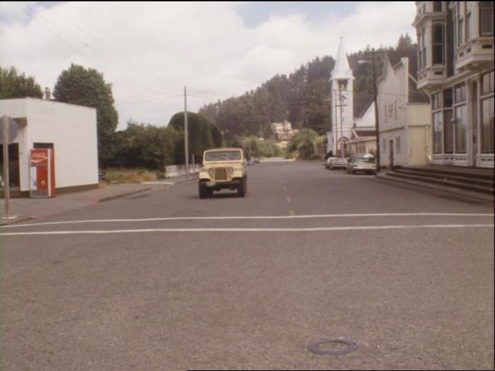 Salem's Lot (1979) - Ben Mears driving through town