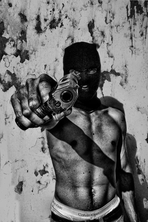Photography cyberpunk and gritty street crime – Boy with a gun by Danielle Tunstall