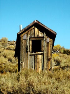 bodie-ghost-town-outhouse-toilet