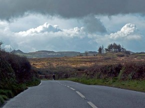 isolated-road-in-cornwall