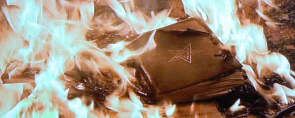 baroness-kesslers-copy-of-the-nine-doors-to-the-kingdom-of-shadows-de-umbrarum-regis-novum-portis-burns