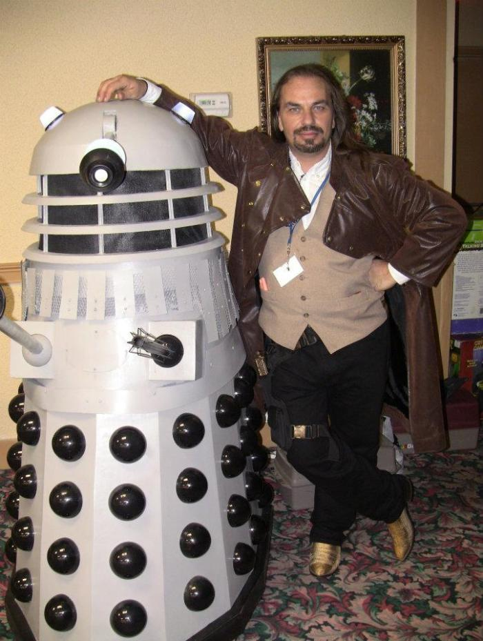 How to build a Dalek - Major Sebastian Perry - Time Gypsies - photo with his creation Chad