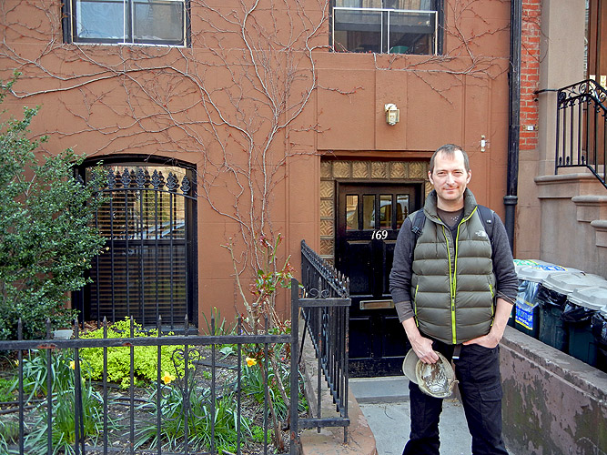 169 Clinton Street Brooklyn New York H P Lovecraft's residence when writing Horror at Red Hook - with UK sci-fi and dark fantasy author David J Rodger outside