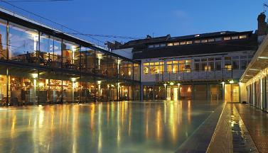clifton-lido-at-night-bristol-pool-spa-and-restaurant