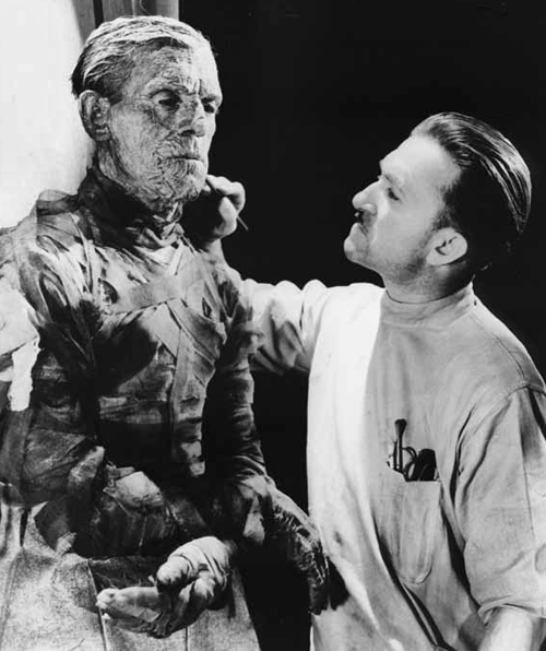 Jack Pierce applies make-up for Boris Karloff in The Mummy 1931 - Universal Studios