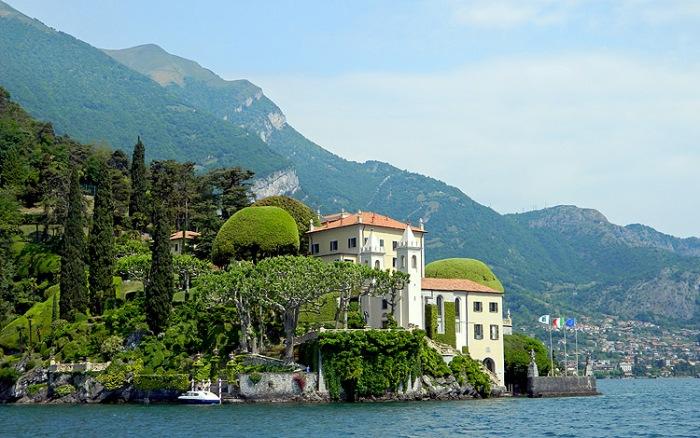 Luxury villa on shores of Lake Como - Italy - Photo by David J Rodger