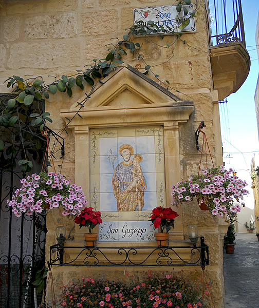 Malta - Mdina Rabat - religious shrine with flowers