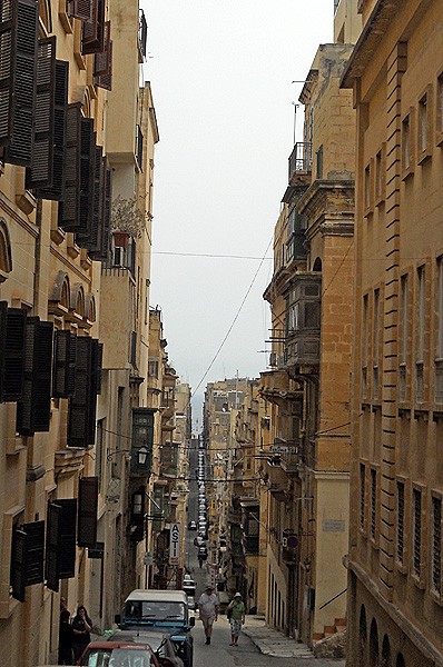 Malta Valletta streets built on a grid pattern with hills like San Francisco