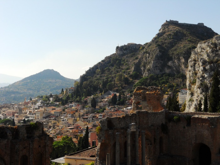 Travel photo Sicily - Taormina - Greek Ampitheatre and steep ascent towards Madonna in the Rocks by David J Rodger