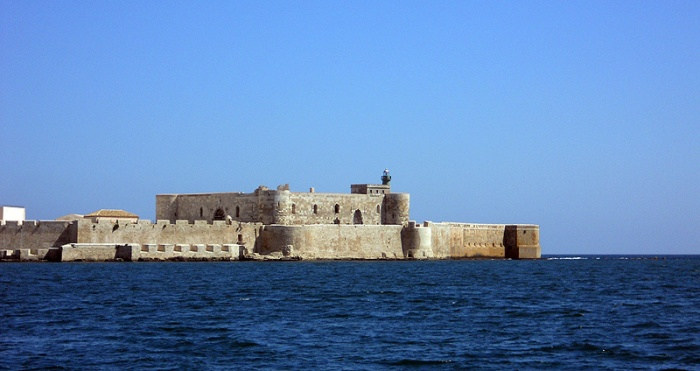 Travel photo Syracuse Sicily - Grand Harbour where Archimedes helped fight off Athenians by David J Rodger