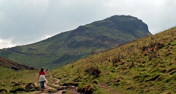 edinburgh-scotland-arthurs-seat