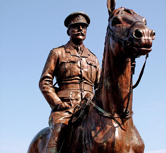 edinburgh-scotland-statue-of-military-officer-on-a-horse