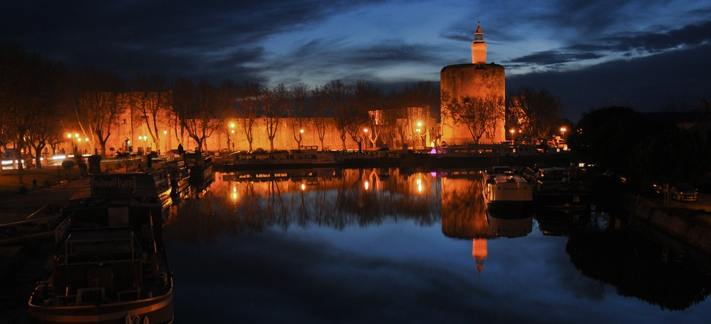 Aigues-Mortes at night image by de georgesv reference www fotocommunity fr 29954480