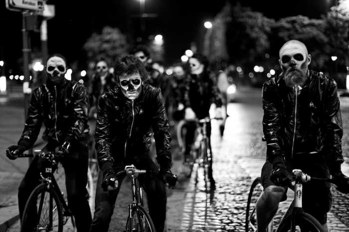 Photo still of Ghostriders II when the dead travel Paris streets by bicycle