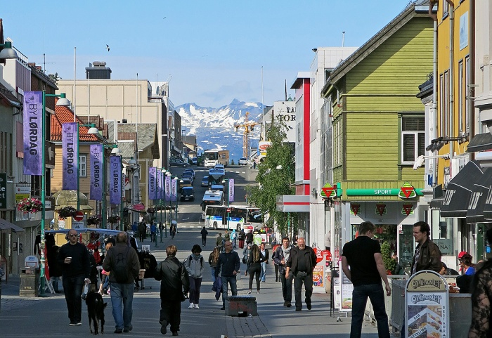 Travel photo Tromso pedestrian shopping area