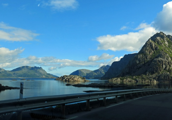 travel photo arctic circle norway - the drive from Henningsvaer - image copyright David J Rodger