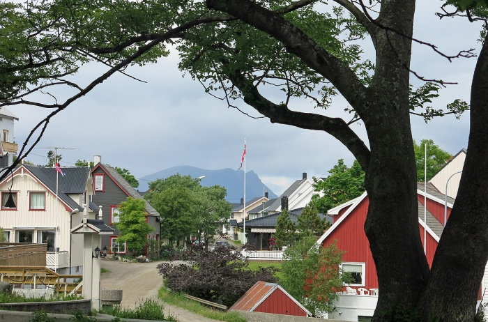 travel photo Henningsvaer arctic circle norway - main town  - image copyright David J Rodger