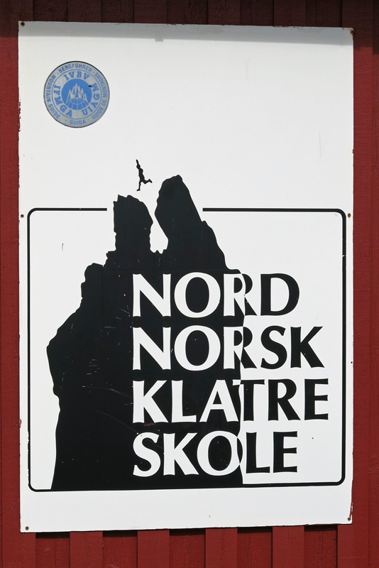 travel photo Henningsvaer arctic circle norway - Nord Norsk Klatre Skole - poster