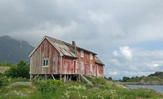 travel photo Henningsvaer arctic circle norway - old fishing hut - image copyright David J Rodger