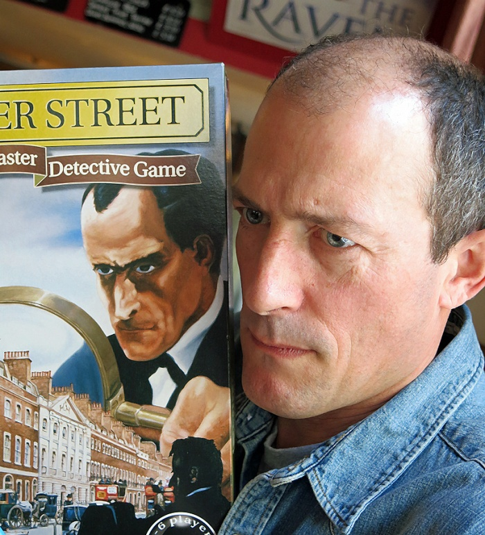 221b Baker Street the game and the reality - Sherlock Holmes seen posing with his own likeness