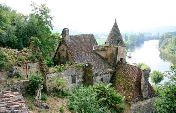 Rural French property used as post-apocalyptic setting for scenario in Yellow Dawn The Age of Hastur