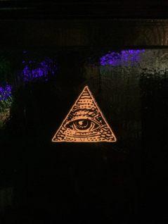 HIAB_X converts a garden shed into creative batchelor pad or Man Cave - illuminati