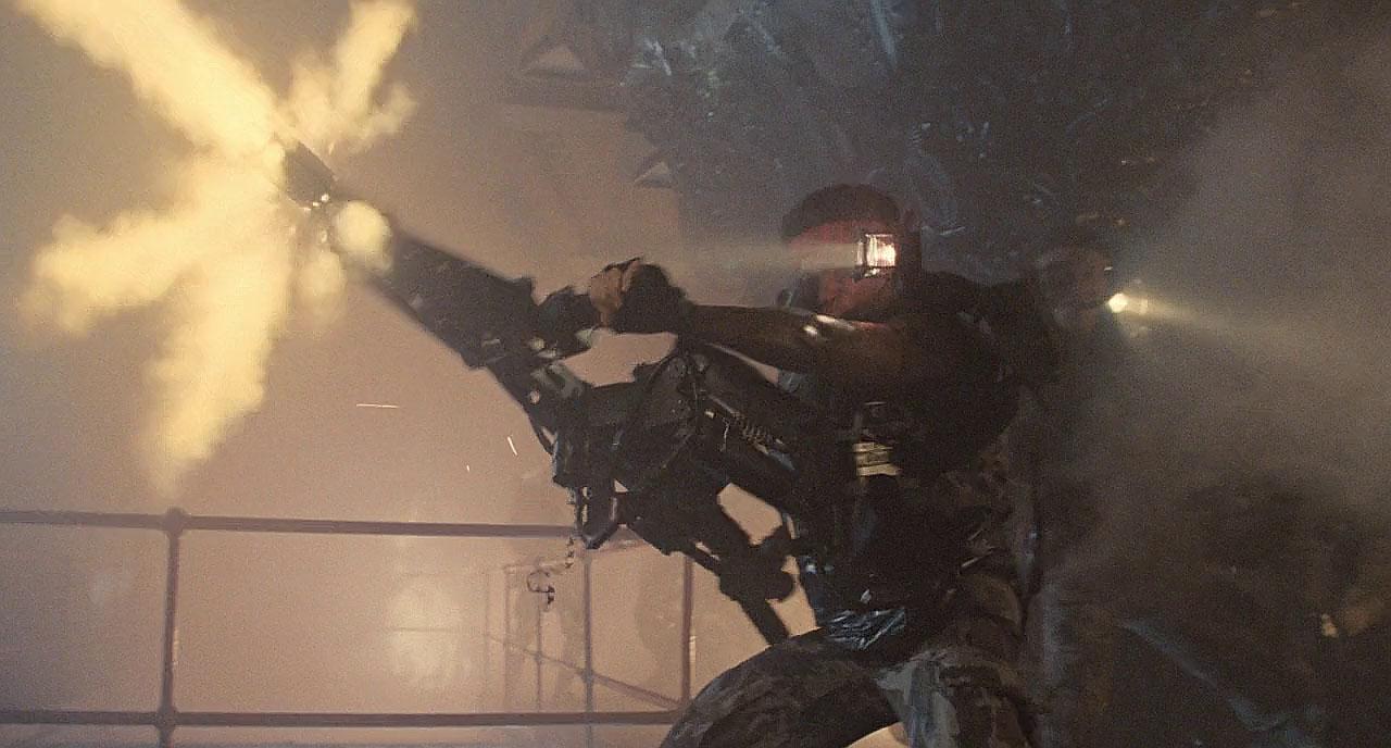 Jenette Goldstein as Pvt Vasquez in Aliens 1986