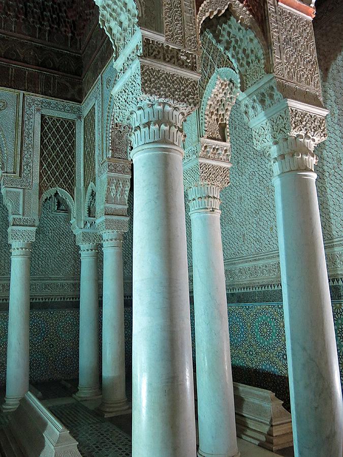 Travel photo Saadian tombs Marrakech - room of 12 columns David J Rodger