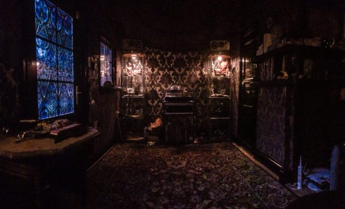 Shed Into Man Cave : Men with sheds the hiab man cave now has a rug david