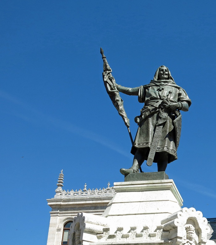 Travel photo - Valladolid Spain - statue in center of Plaza Mayor