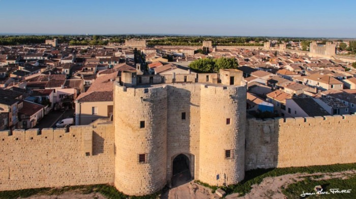 Remparts (ramparts) Aigues Mortes - image via Wooloomooloo on