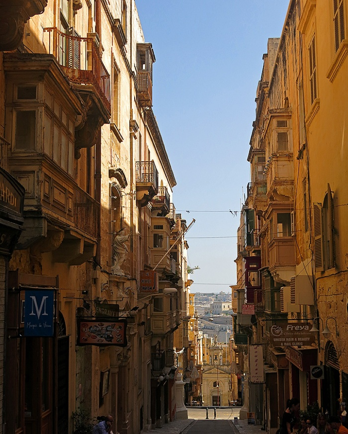 Valletta - Malta Travel Photo by David J Rodger - medieval streets like San Francisco