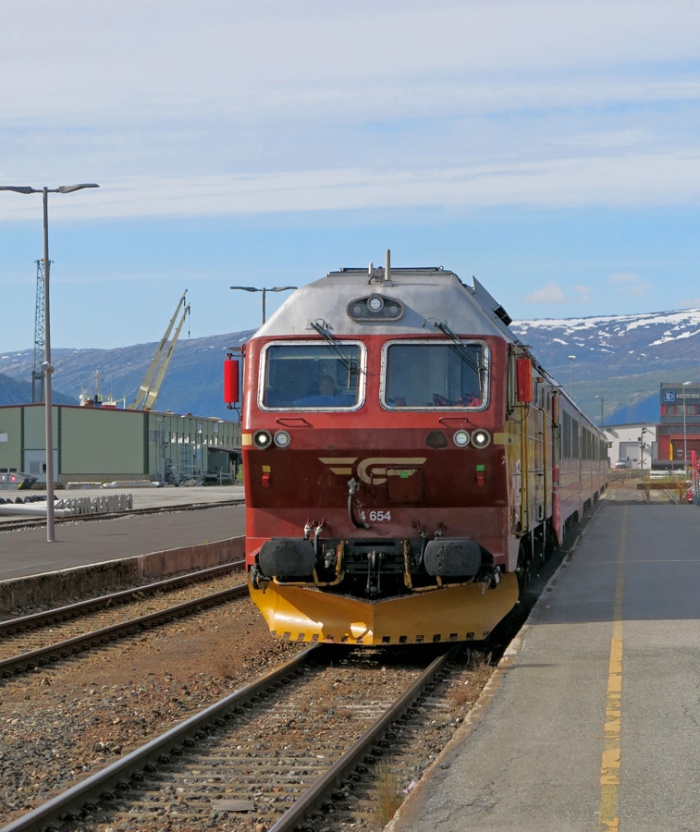 NSB Arctic Train - Norway - image David J Rodger