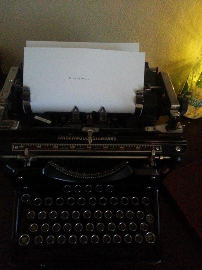Fan writes letter to science fiction dark fantasy - cyberpunk cthulhu mythos - author David J Rodger on Underwood Standard vintage typewriter - very H P Lovecraft